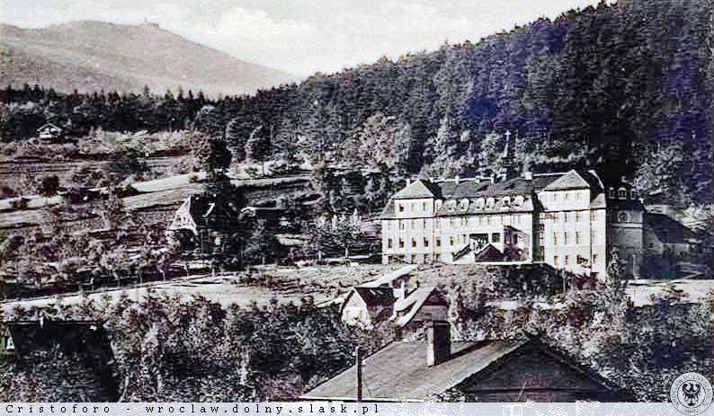 Historyczne zdjęcie budynku, w którym mieści się teraz MOW